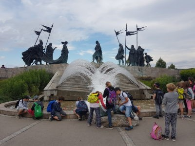 Tulln Nibelungendenkmal Springbrunnen Kinder