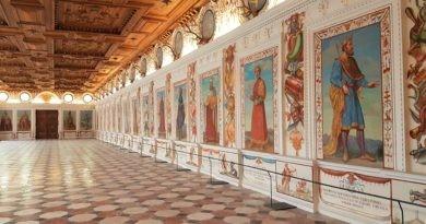Saal im Schloss Amras