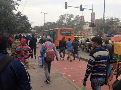 Hauptstraße in Delhi